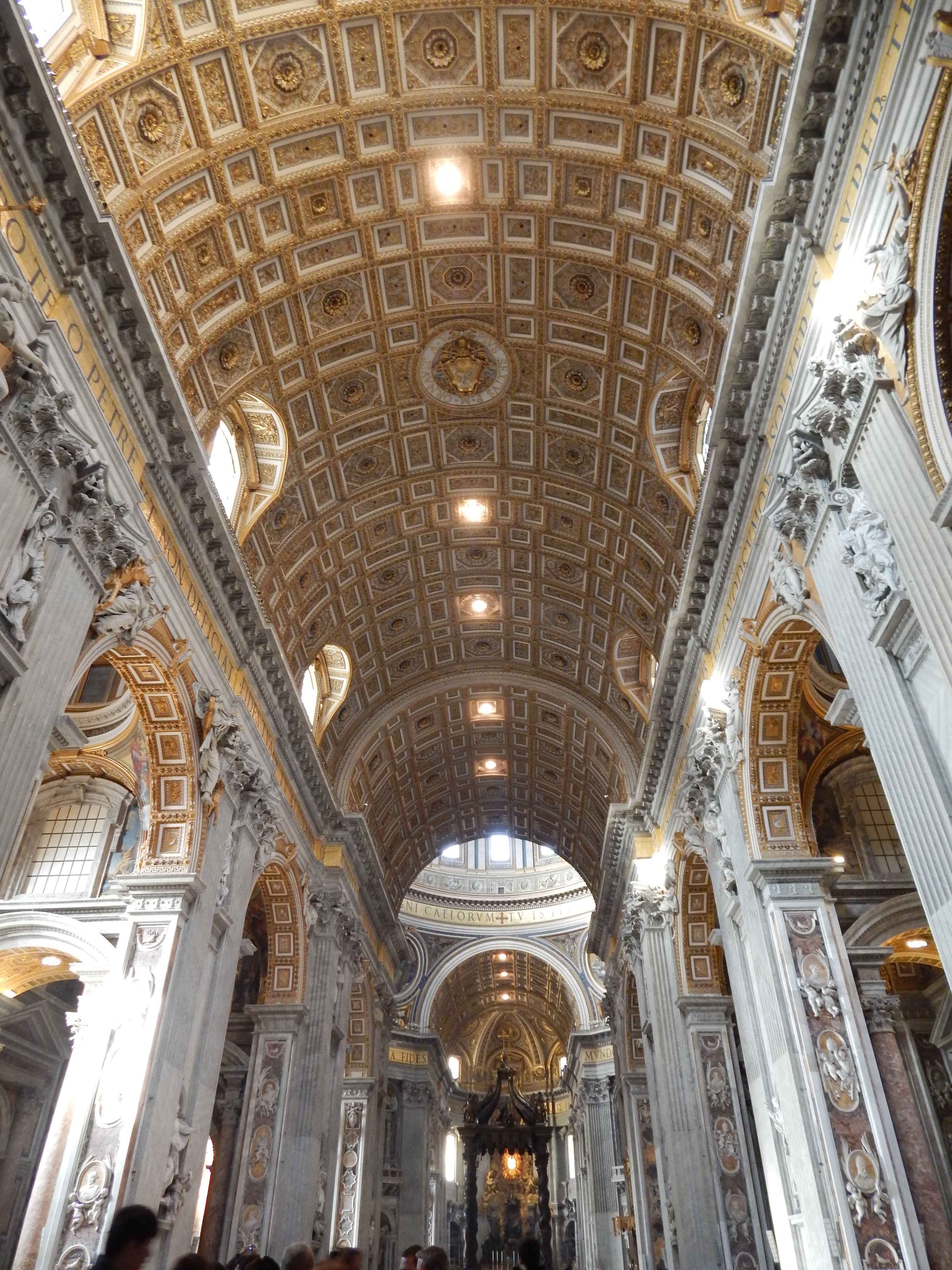 Interior Iglesia del Vaticano