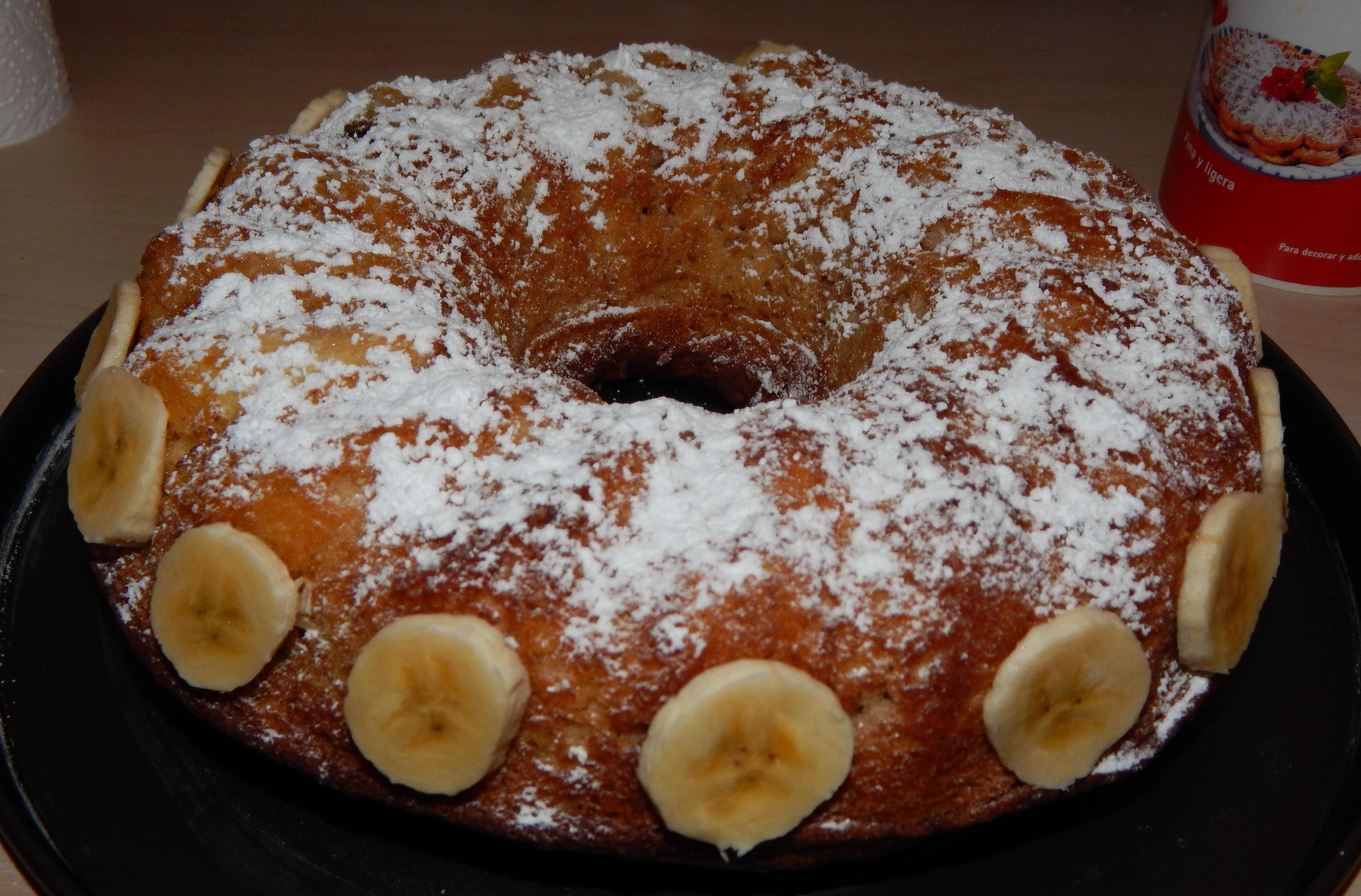 Bizcocho de yougur con nutela y plátano